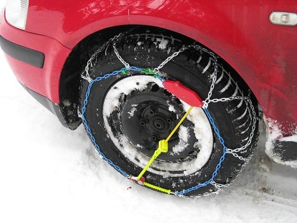Lanci za snijeg za automobil