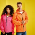 Veste i jakne – uživajte u odjeći koja nosi značenje